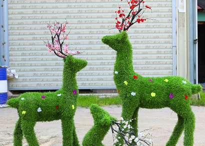 室外仿真植物绿雕应该怎么选择?
